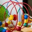 Jucării educative sau distractive? Ce alegi pentru copilul tău?